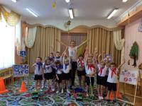 Спортивное развлечение по ПДД для детей старшего возраста.